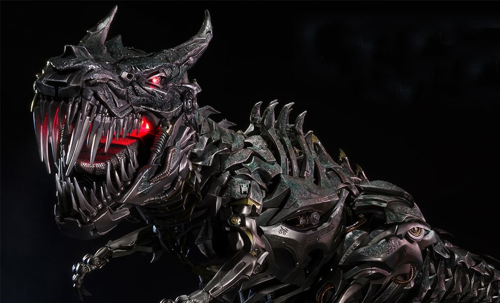 Gallery Feature Image of Grimlock Statue - Click to open image gallery