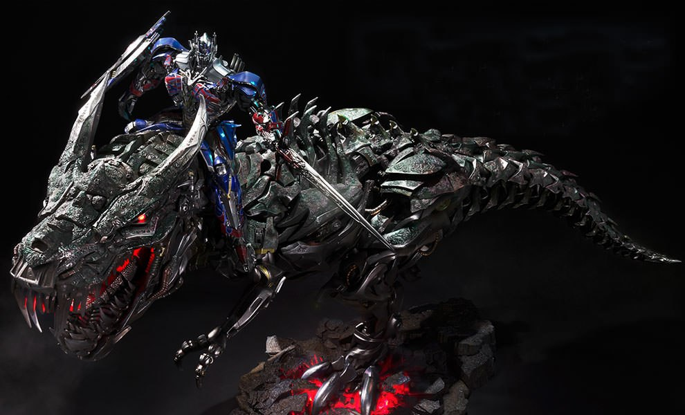 Gallery Feature Image of Grimlock Optimus Prime Version Statue - Click to open image gallery