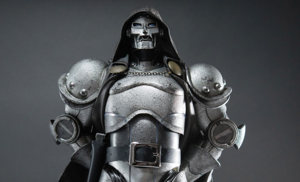 Gallery Feature Image of Doctor Doom - Classic Sixth Scale Figure - Click to open image gallery