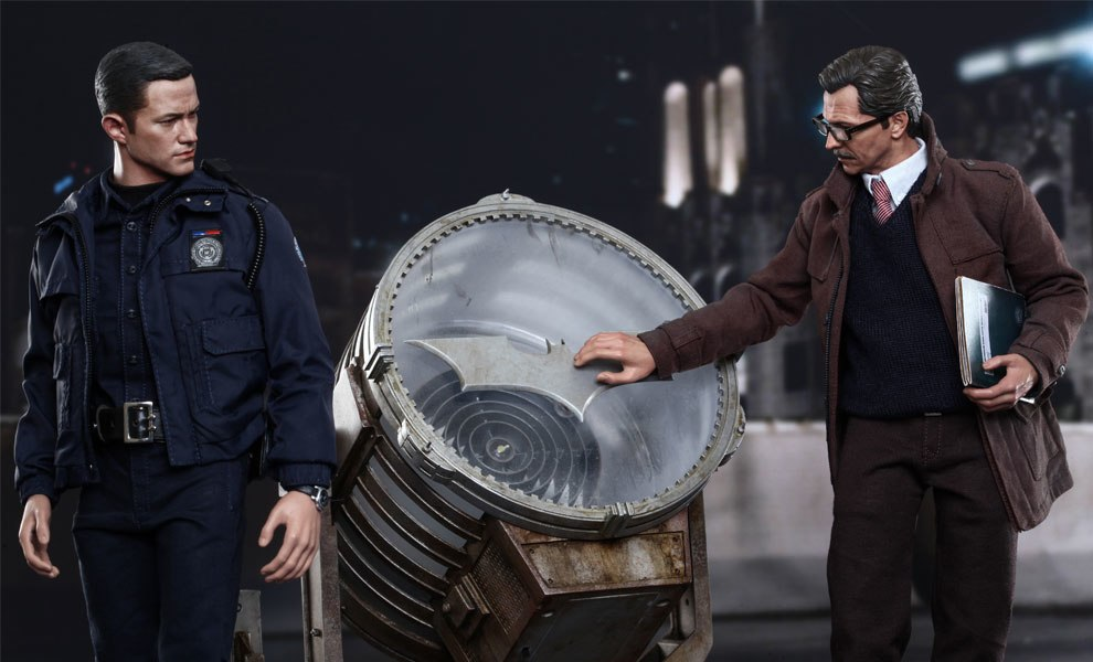 Gallery Feature Image of John Blake and Jim Gordon with Bat-Signal Collectible Set - Click to open image gallery