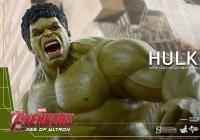 Gallery Image of Hulk Sixth Scale Figure