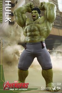 Gallery Image of Hulk Deluxe Sixth Scale Figure