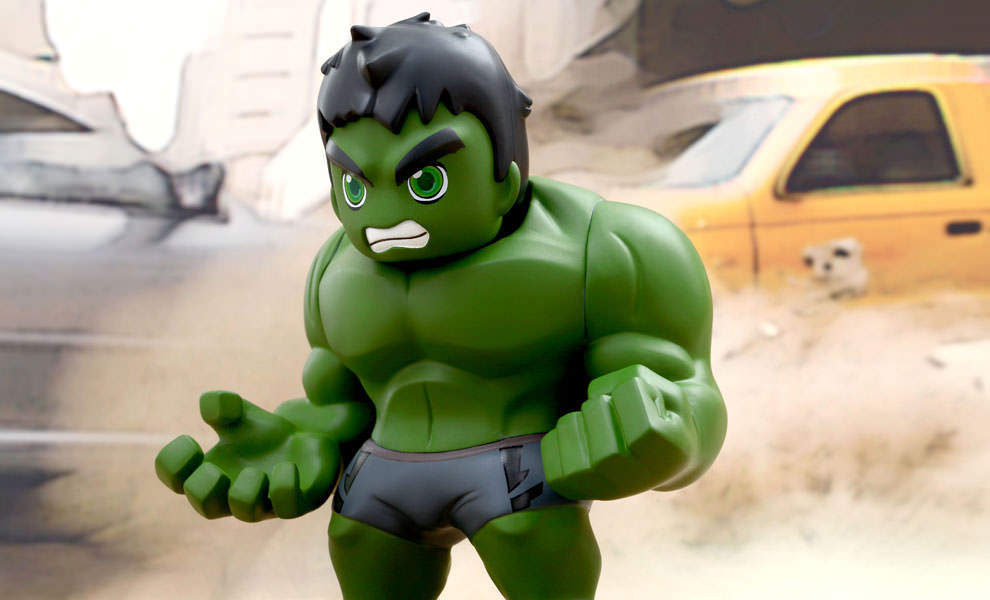 Gallery Feature Image of Hulk Vinyl Collectible - Click to open image gallery