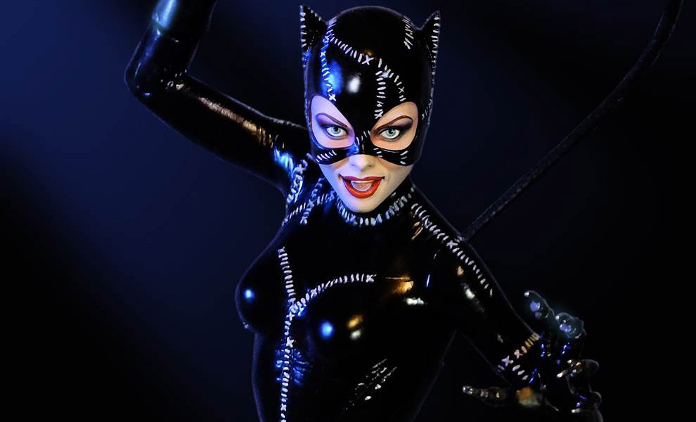 Gallery Feature Image of Catwoman Maquette - Click to open image gallery