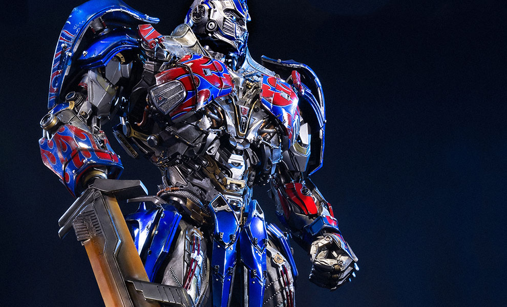Gallery Feature Image of Optimus Prime Ultimate Edition Polystone Statue - Click to open image gallery