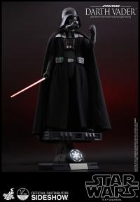 Gallery Image of Darth Vader Quarter Scale Figure