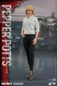 Gallery Image of Pepper Potts Sixth Scale Figure