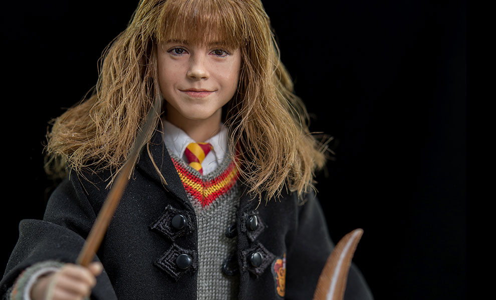 Gallery Feature Image of Hermione Granger Sixth Scale Figure - Click to open image gallery