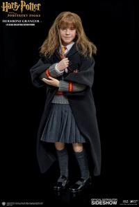 Gallery Image of Hermione Granger Sixth Scale Figure
