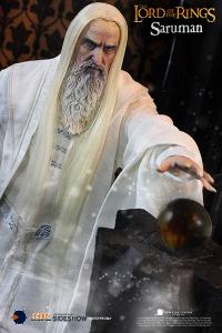 Gallery Image of Saruman Sixth Scale Figure