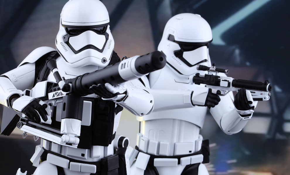 Gallery Feature Image of First Order Stormtroopers Sixth Scale Figure - Click to open image gallery