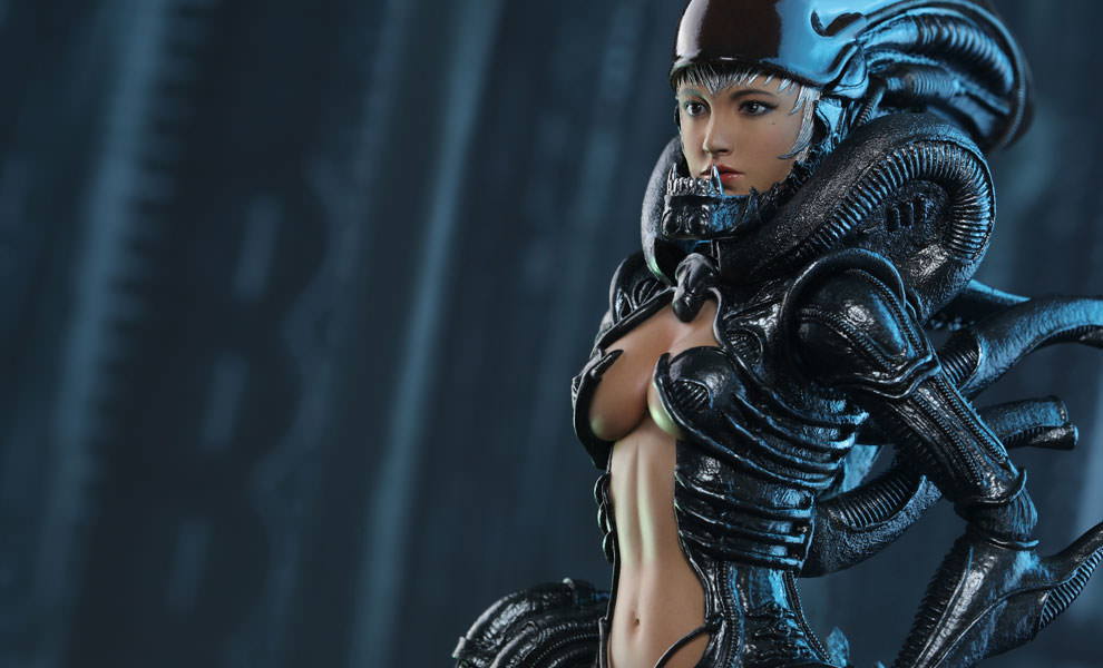 Gallery Feature Image of Alien Girl Sixth Scale Figure - Click to open image gallery