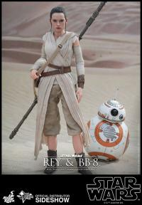 Gallery Image of Rey and BB-8 Sixth Scale Figure