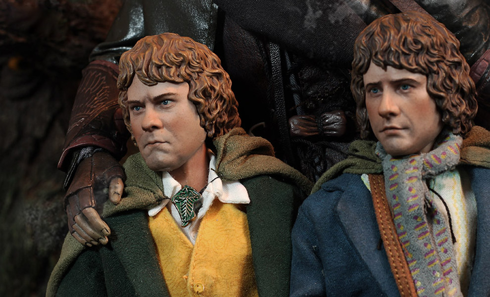 Gallery Feature Image of Merry and Pippin Sixth Scale Figure - Click to open image gallery