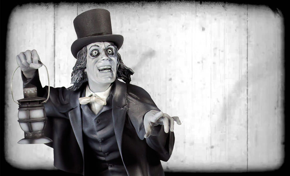 Gallery Feature Image of Lon Chaney Sr Statue - Click to open image gallery