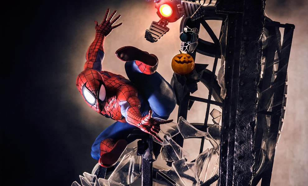 Gallery Feature Image of Spider-Man Polystone Statue - Click to open image gallery