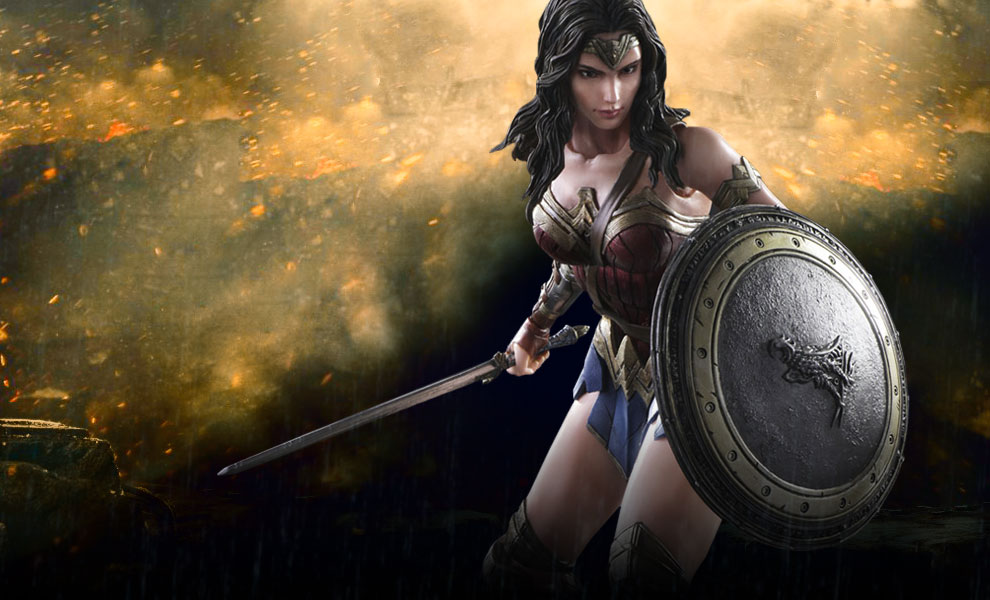 Gallery Feature Image of Wonder Woman Collectible Figure - Click to open image gallery