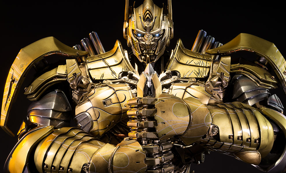 Gallery Feature Image of Optimus Prime Knight Edition Gold Version Polystone Statue - Click to open image gallery