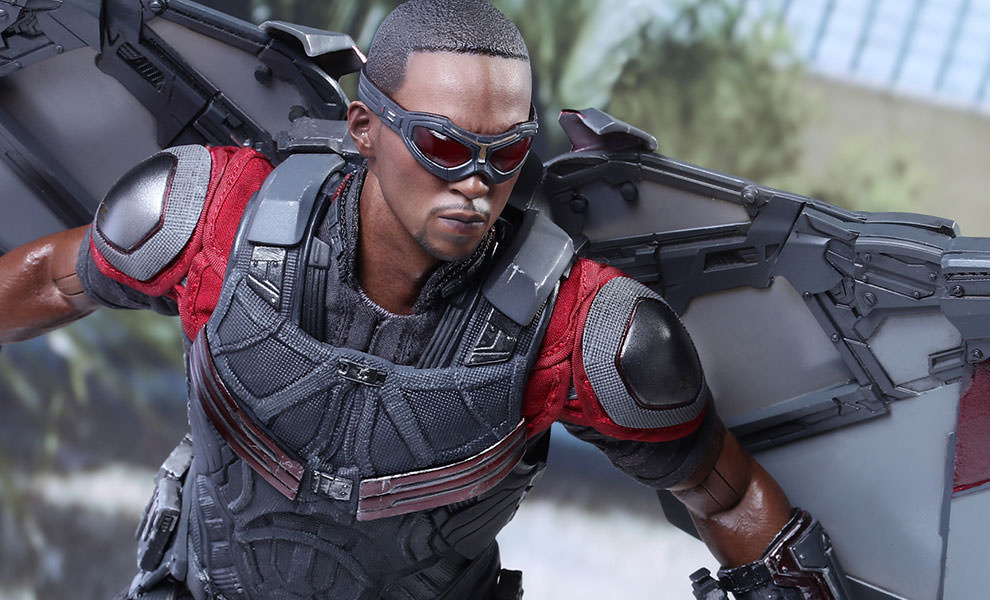 Gallery Feature Image of Falcon Sixth Scale Figure - Click to open image gallery