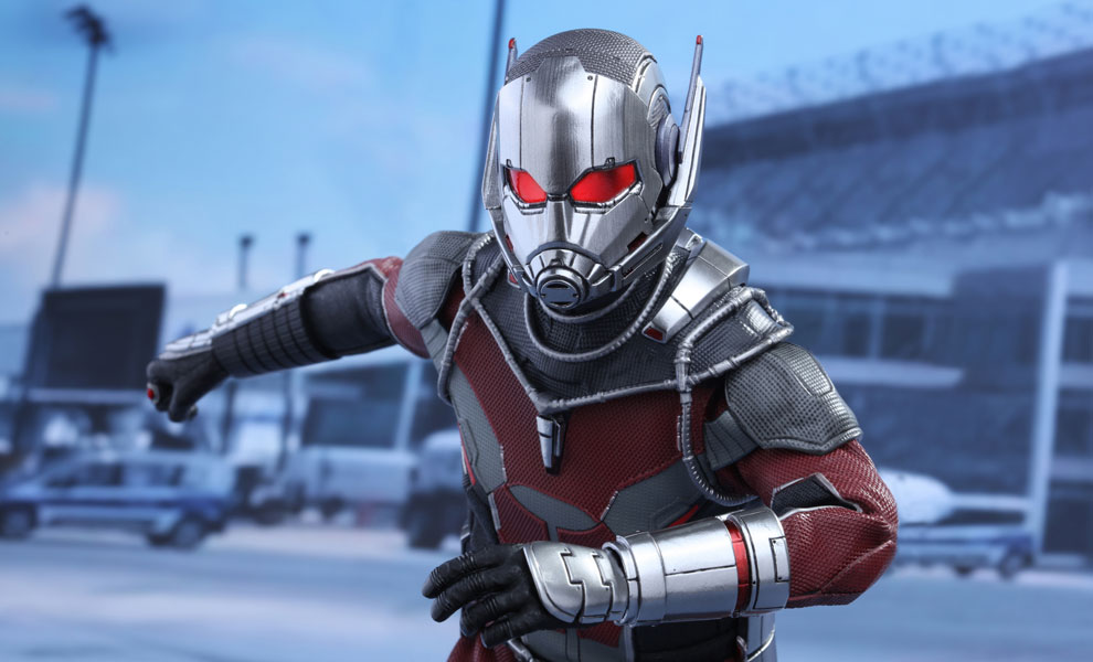 Gallery Feature Image of Ant-Man Sixth Scale Figure - Click to open image gallery