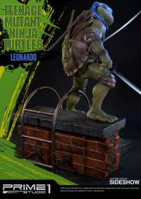 Gallery Image of Leonardo Polystone Statue