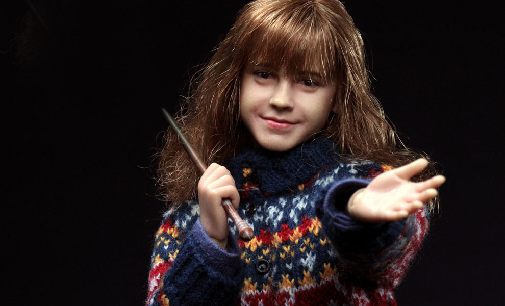Gallery Feature Image of Hermione Granger Casual Wear Version Sixth Scale Figure - Click to open image gallery