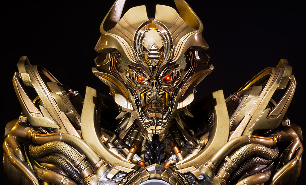 Gallery Feature Image of Galvatron Gold Version Bust - Click to open image gallery