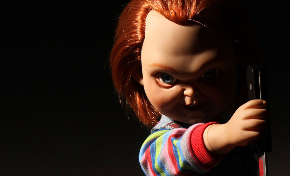Gallery Feature Image of Talking Sneering Chucky Collectible Figure - Click to open image gallery