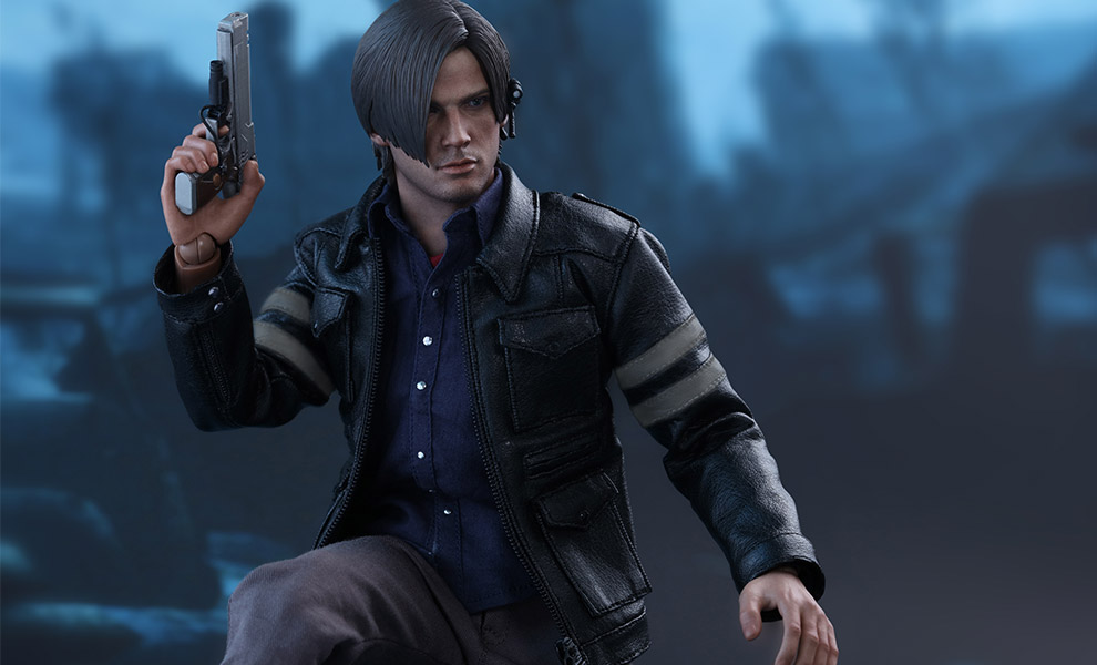 Gallery Feature Image of Leon S Kennedy Sixth Scale Figure - Click to open image gallery