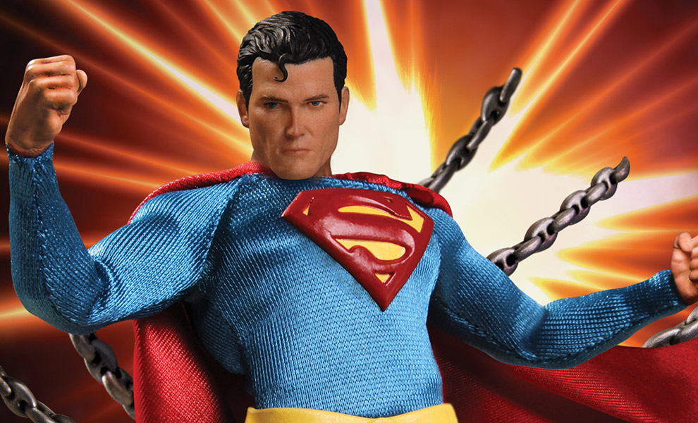 Gallery Feature Image of Superman  Collectible Figure - Click to open image gallery