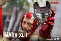 Gallery Image of Iron Man Mark XLII Quarter Scale Figure