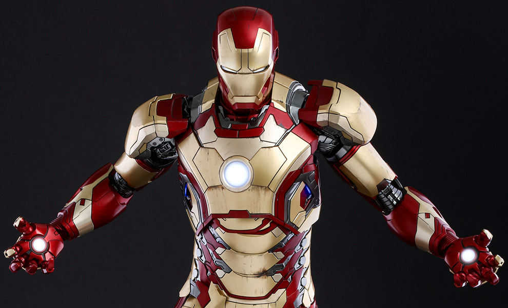 Gallery Feature Image of Iron Man Mark XLII Deluxe Version Quarter Scale Figure - Click to open image gallery