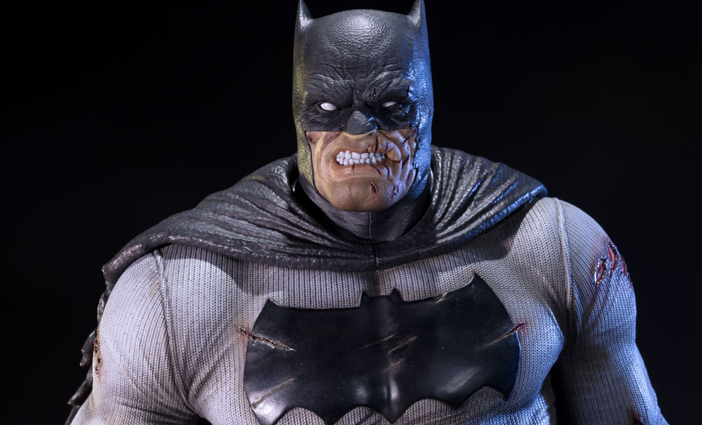 Gallery Feature Image of The Dark Knight Returns Batman Statue - Click to open image gallery