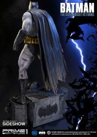Gallery Image of The Dark Knight Returns Batman Statue