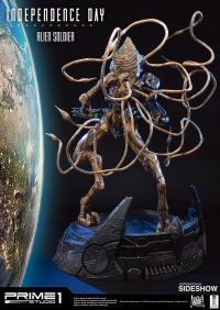 Gallery Image of Alien Soldier Polystone Statue