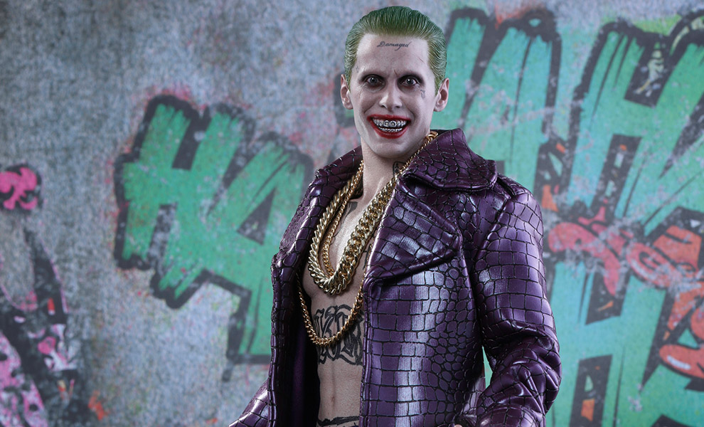 Gallery Feature Image of The Joker Purple Coat Version Sixth Scale Figure - Click to open image gallery