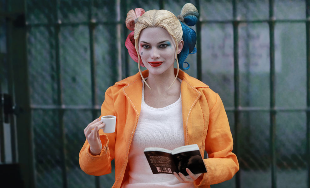 Gallery Feature Image of Harley Quinn Prisoner Version Sixth Scale Figure - Click to open image gallery