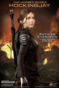 Gallery Image of Katniss Everdeen Sixth Scale Figure