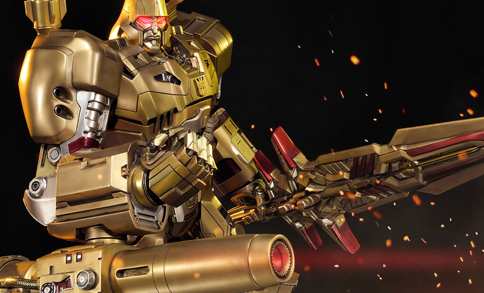 Gallery Feature Image of Megatron Gold Edition - Transformers Generation 1 Statue - Click to open image gallery