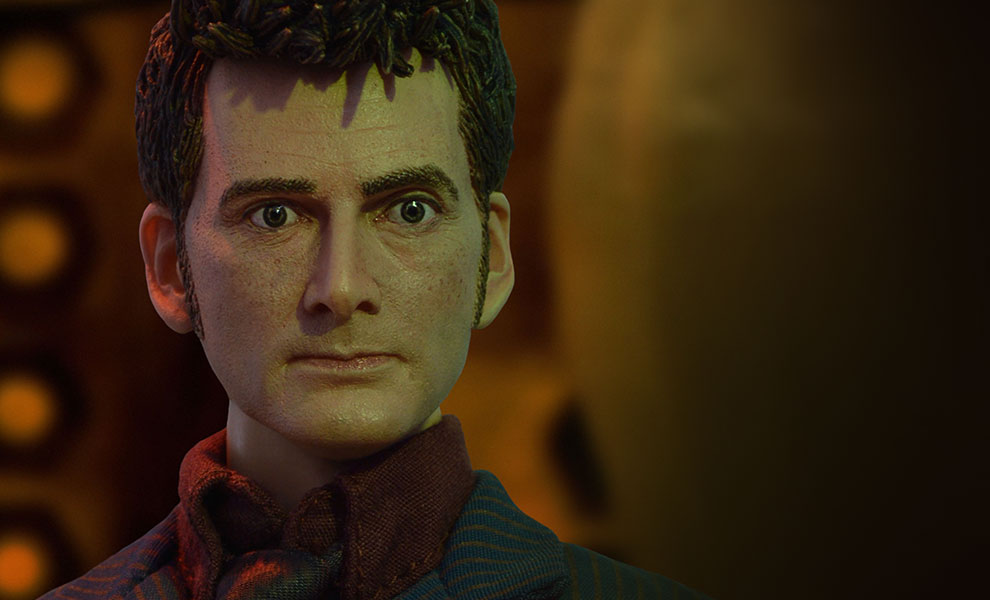 Gallery Feature Image of 10th Doctor Sixth Scale Figure - Click to open image gallery