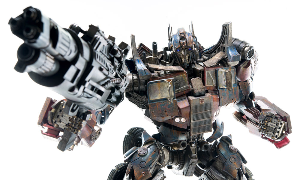 Gallery Feature Image of Optimus Prime Evasion Edition Collectible Figure - Click to open image gallery
