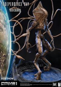 Gallery Image of Alien Colonist Statue