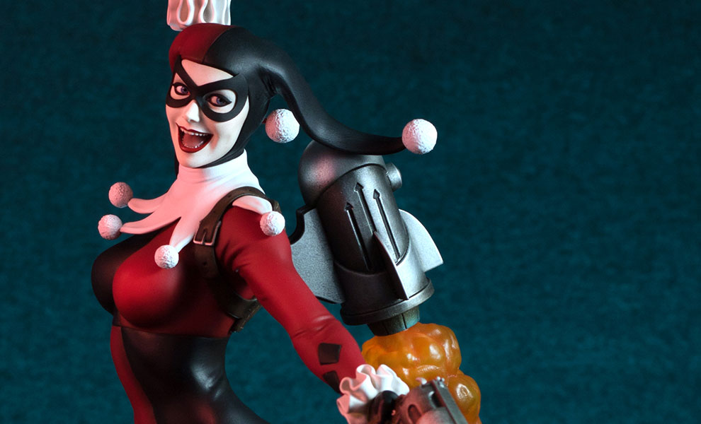 Gallery Feature Image of Harley Quinn Maquette - Click to open image gallery