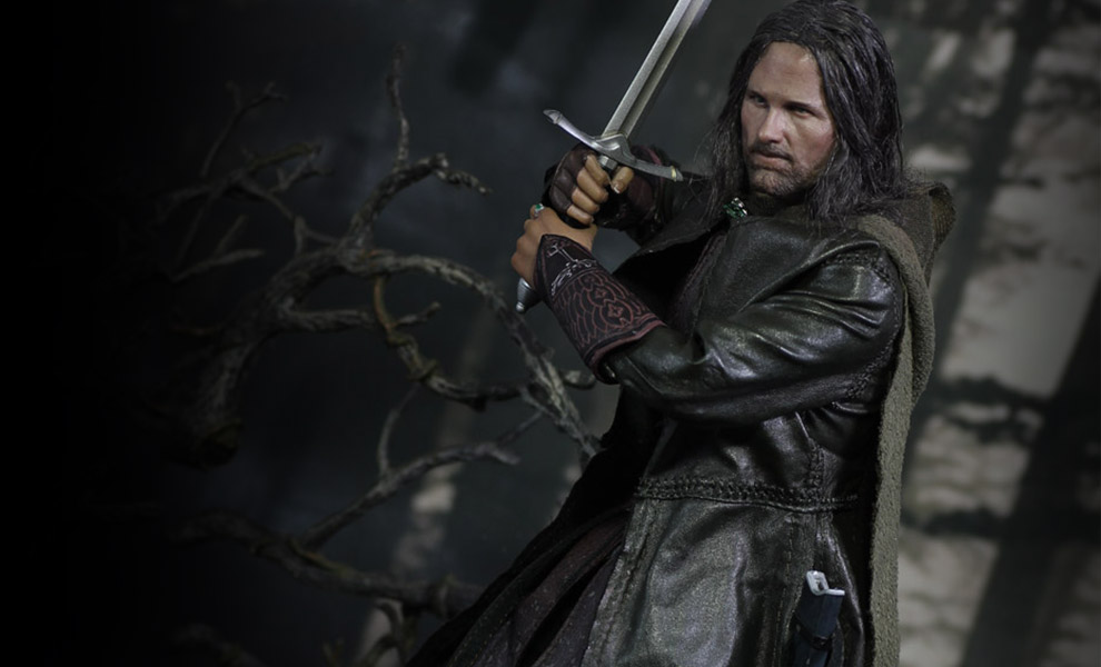Gallery Feature Image of Aragorn Slim Version Sixth Scale Figure - Click to open image gallery