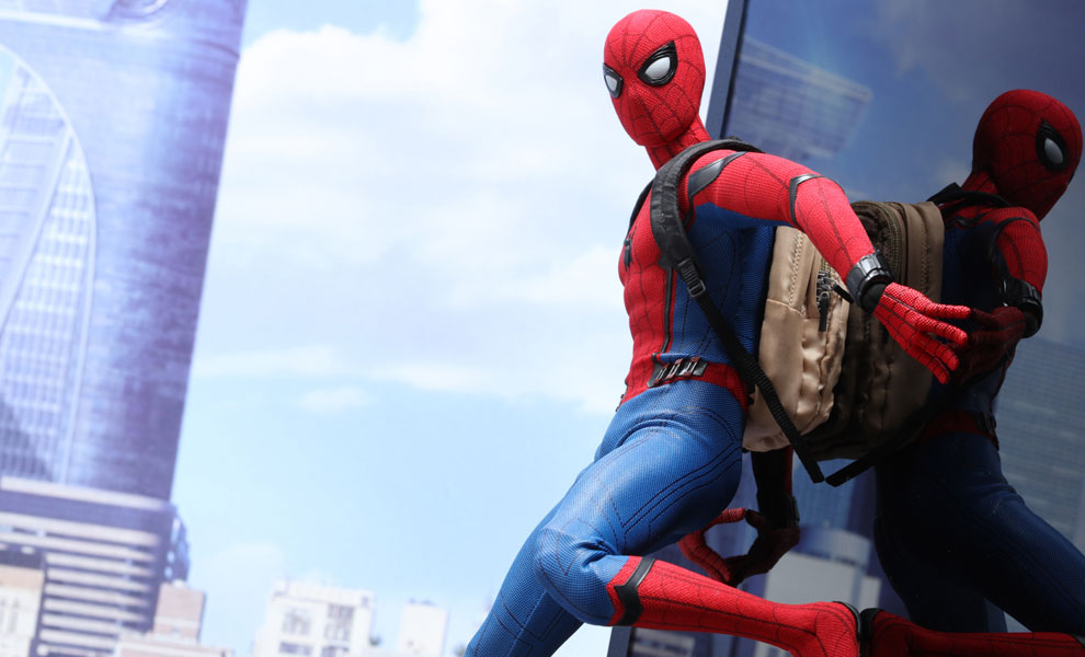 Gallery Feature Image of Spider-Man Sixth Scale Figure - Click to open image gallery