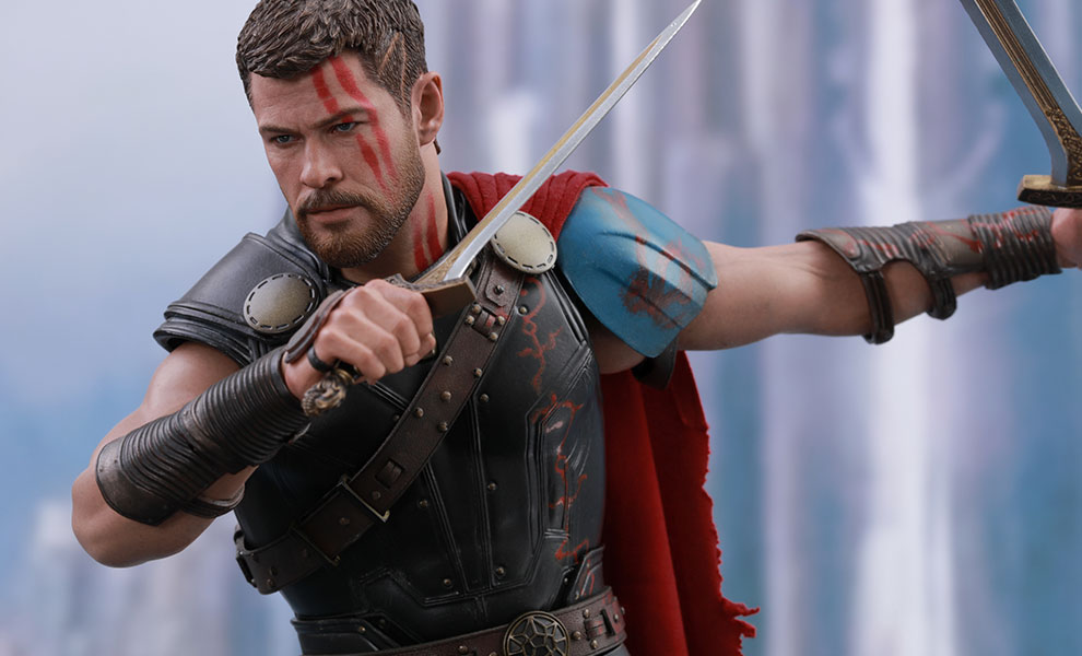 Gallery Feature Image of Gladiator Thor Deluxe Version Sixth Scale Figure - Click to open image gallery