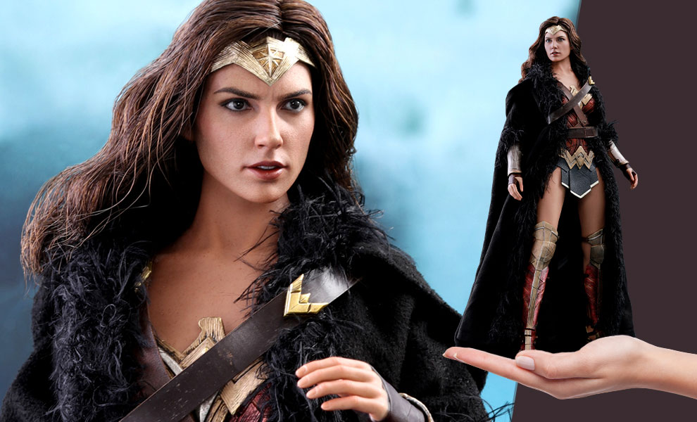 Gallery Feature Image of Wonder Woman Deluxe Version Sixth Scale Figure - Click to open image gallery
