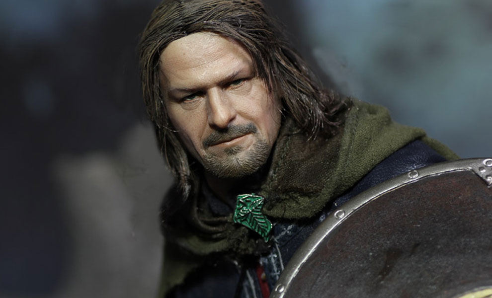 Gallery Feature Image of Boromir Sixth Scale Figure - Click to open image gallery