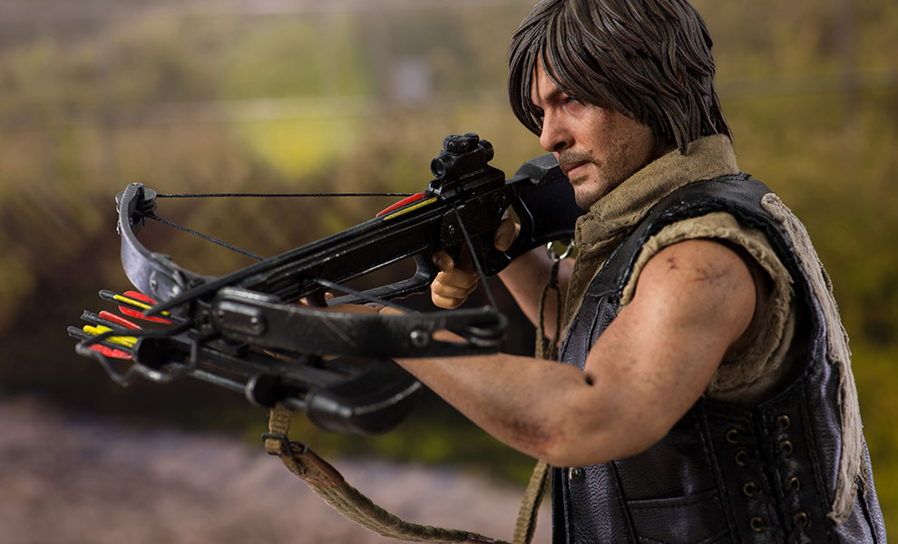 Gallery Feature Image of Daryl Dixon Sixth Scale Figure - Click to open image gallery
