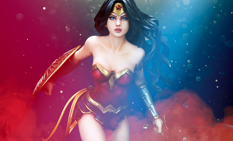 Gallery Feature Image of Wonder Woman PVC Figure - Click to open image gallery